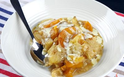 Delicious Slow Cooker Peach Cobbler