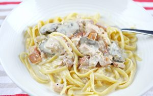 Slow Cooker Chicken Carbonara