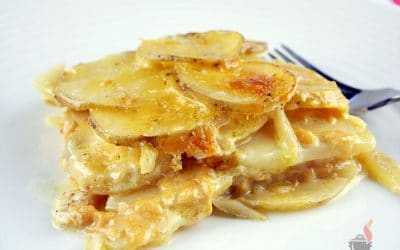 Deliciously Cheesy Slow Cooker Scalloped Potatoes
