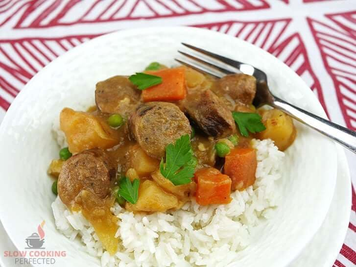 slow cooker curried sausages