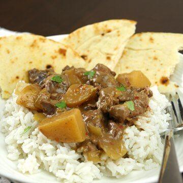 Slow Cooker Massaman Beef Curry