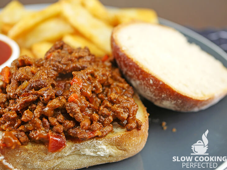 Sloppy Joes in a Roll with Chips