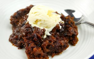 Slow Cooker Sticky Date Pudding