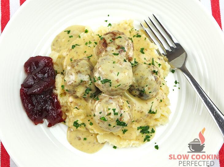Slow Cooker Swedish Meatballs and Gravy