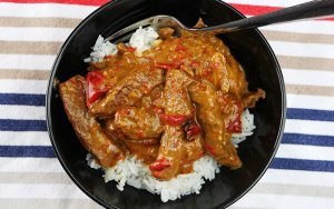 Slow Cooker Satay Beef
