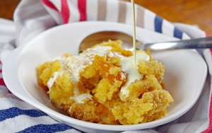 Slow Cooker Apricot Dump Cake
