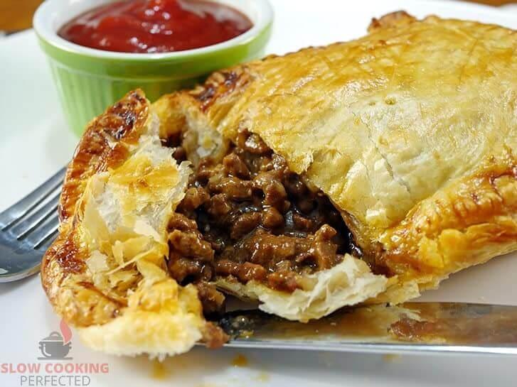 Slow Cooker Beef Mince Pie
