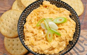 Slow Cooker Buffalo Chicken Dip