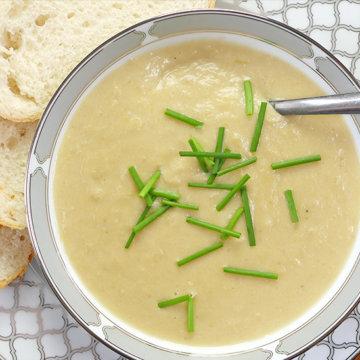 Slow Cooker Potato and Leek Soup