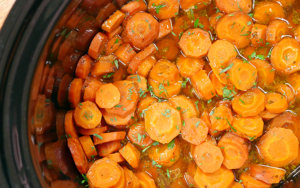Slow Cooker Glazed Carrots
