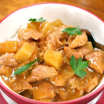 Slow Cooker Massaman Chicken Curry