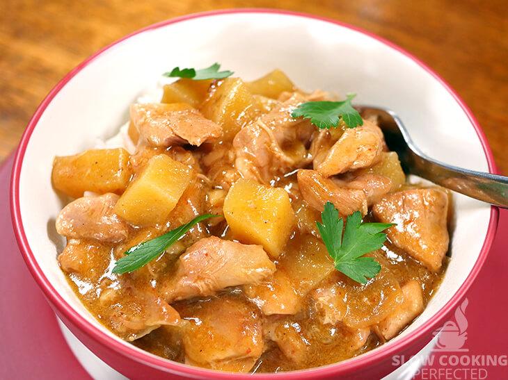 Slow Cooker Massaman Chicken Curry